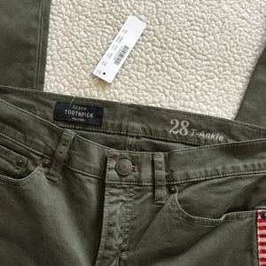 J. Crew Pants - J. Crew Green Toothpick Pants Sz 28 NWT
